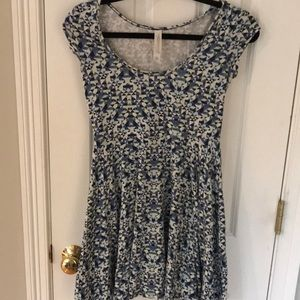 Aero postale dress sz small blue geo pattern